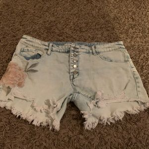 Beautiful mid rise cut off shorts size 14
